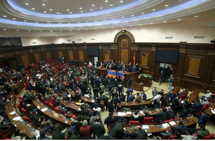 Ermənistan parlamenti növbəti dəfə Paşinyanın namizədliyini rədd etdi