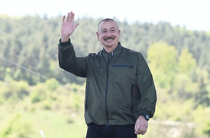 İlham Əliyev Şuşada jurnalistlərlə görüşdü