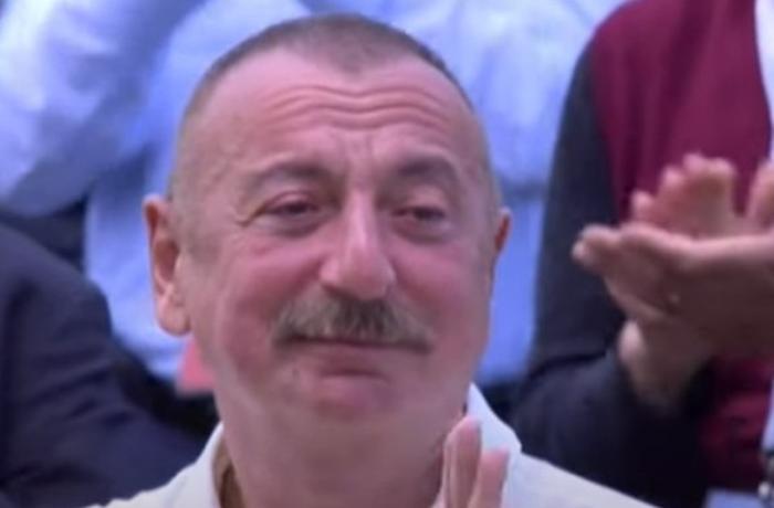İlham Əliyev atasının səs yazısını eşidib kövrəldi — VİDEO