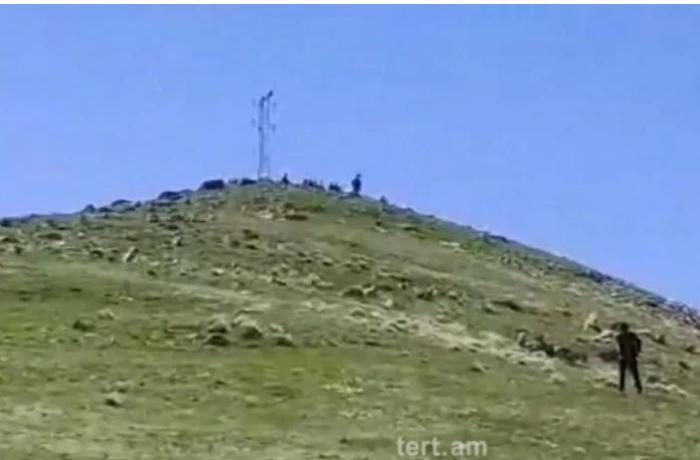 Erməni KİV: Azərbaycan əsgərləri Gorus şəhərinin 5 kilometrliyindəki yüksəkliyə çıxdılar — VİDEO