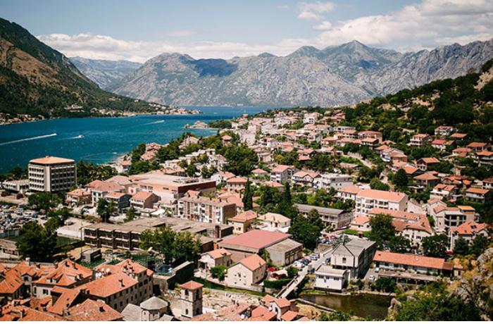 Monteneqro turistlərə qapılarını açır