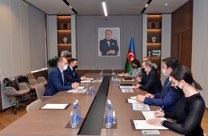 """Ceyhun Bayramov """"TRACECA""""nın Baş katibi Aset Asavbayev ilə görüşdü"""