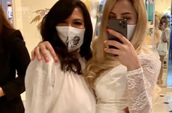 Azərbaycanlı qadın həmcinsi ilə evlənib — FOTO