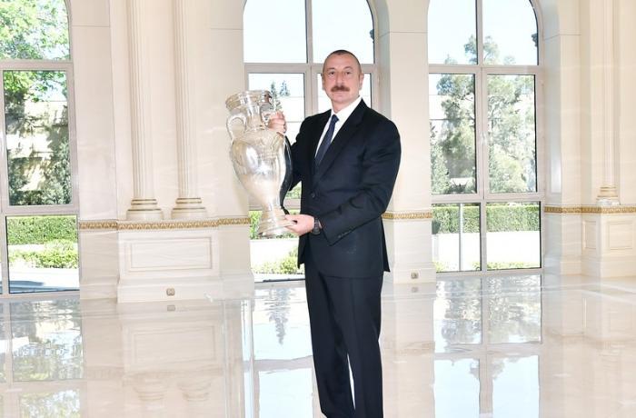 AVRO-2020-nin kuboku Prezident İlham Əliyevə təqdim olundu — FOTOLAR