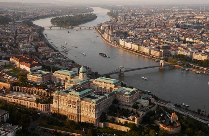 Azərbaycan diplomatı Macarıstanda vəfat etdi