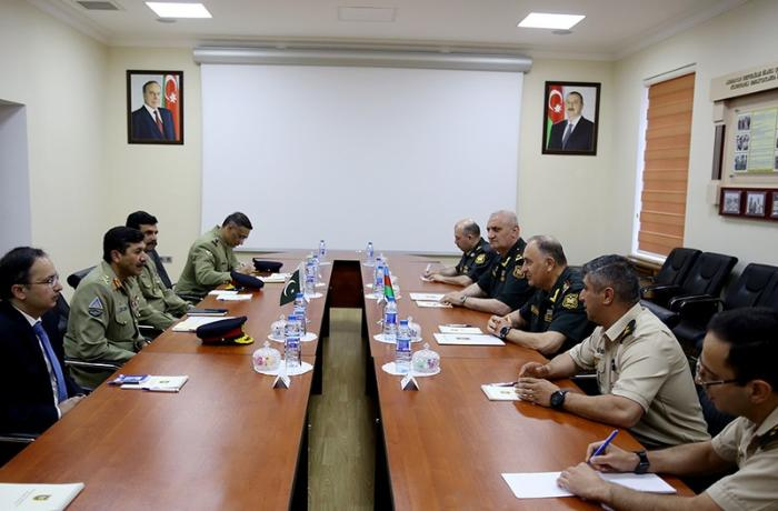 Azərbaycan və Pakistan ordularının birgə təlimləri məsələsi müzakirə olundu