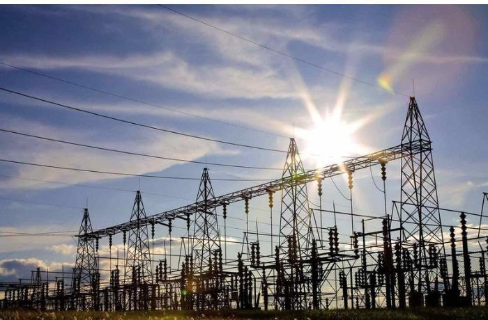 İran Azərbaycandan elektrik enerjisi idxalına başladı