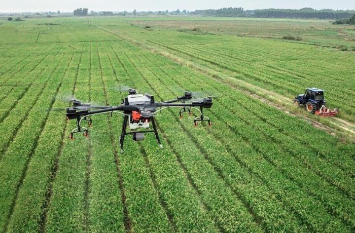 Azərbaycanda ilk dəfə əkin sahələri üçün aqrodron istehsal edildi