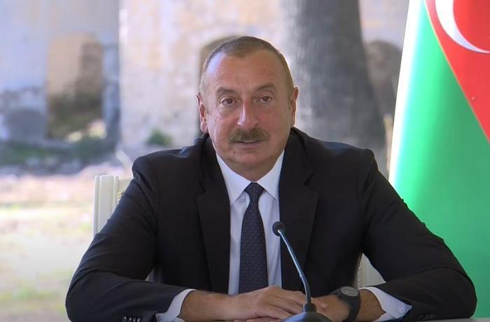 """Prezident: """"Şuşada dalğalanan Azərbaycan və Türkiyə bayraqları birliyimizi göstərir"""""""