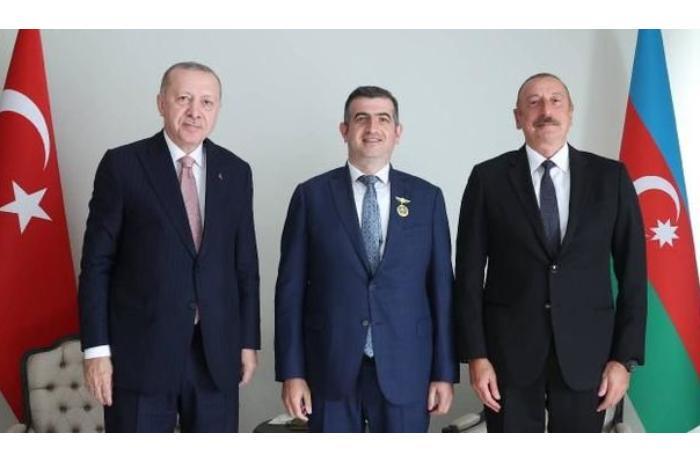 """İlham Əliyev Haluk Bayraktarı """"Qarabağ"""" ordeni ilə təltif etdi — FOTO"""