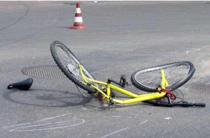 Bakıda avtomobil 10 yaşlı velosipedçini vurdu