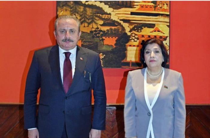 Sahibə Qafarova Mustafa Şentopa başsağlığı verdi
