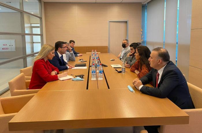 Əhməd İsmayılov Aljazeera Media İnstitutunun nümayəndə heyəti ilə görüşdü — FOTO