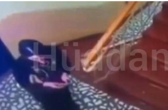Azərbaycanda qayınana keçmiş gəlinin evinin qarşısına cadu tökdü — VİDEO