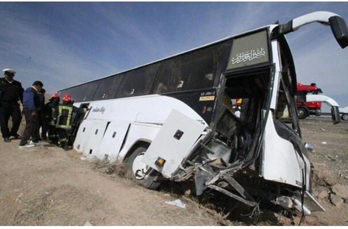 İranda jurnalistləri daşıyan avtobus qəzaya düşdü — 3 ölü, 13 yaralı