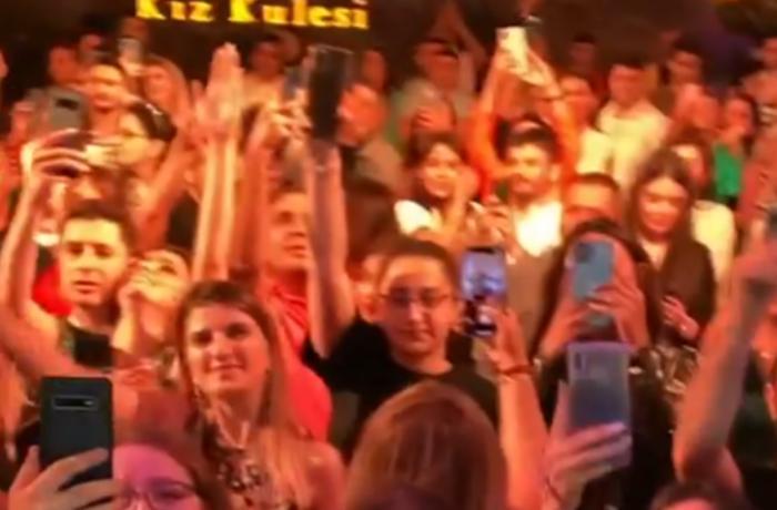 Toy deyil, Mustafa Cecelinin Bakı konsertidir... — VİDEO