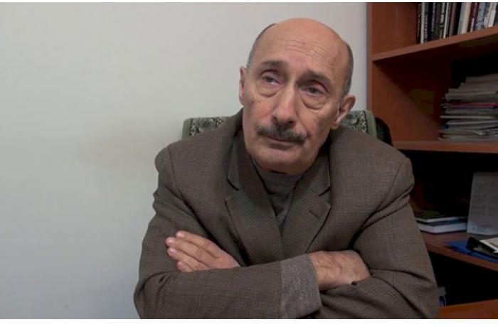 """Politoloq: """"Rusiya Köçəryanı hakimiyyətə gətirəcək"""""""