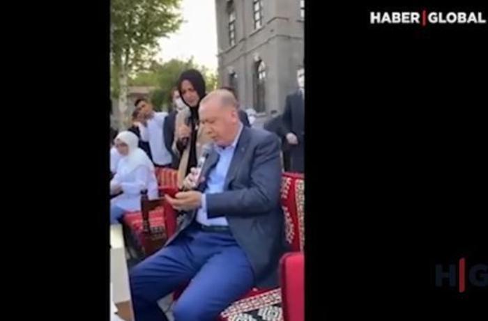 """Ərdoğan """"Könül dağı"""" türküsünü ifa etdi — VİDEO"""