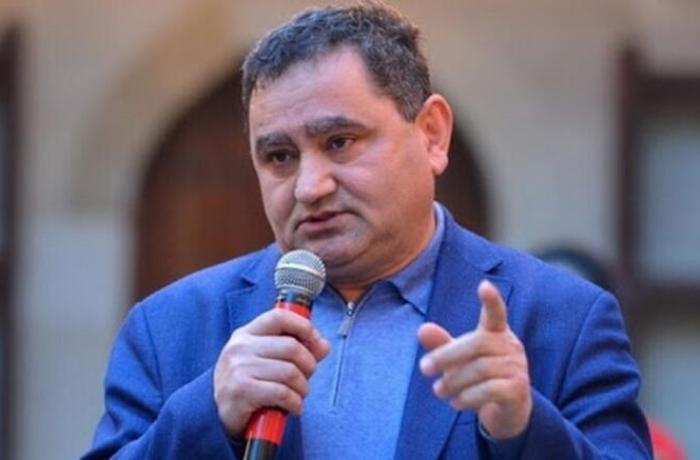 """Deputatla jurnalistlər arasında QALMAQAL — """"2 otaqlı mənzildə yaşayıram"""""""