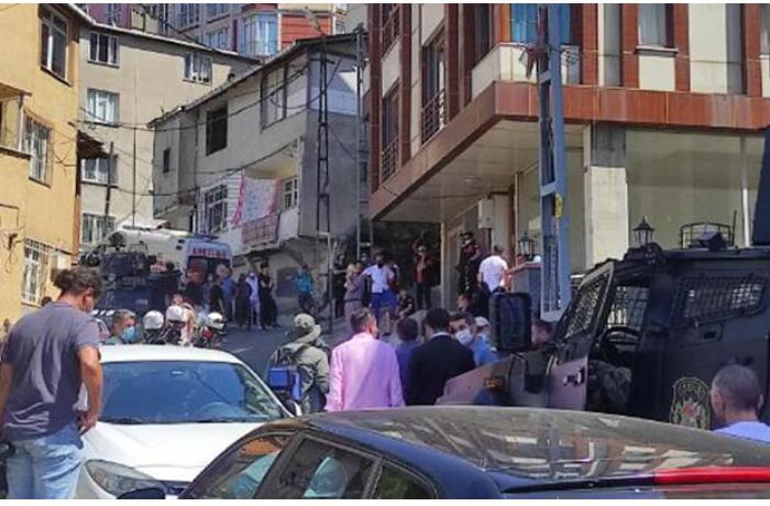 İstanbulda silahlı dava — Ölənlər və yaralanan var