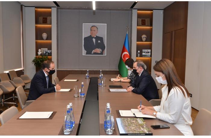 Ceyhun Bayramov YUNİSEF-in Azərbaycan Nümayəndəliyinin rəhbəri ilə görüşdü