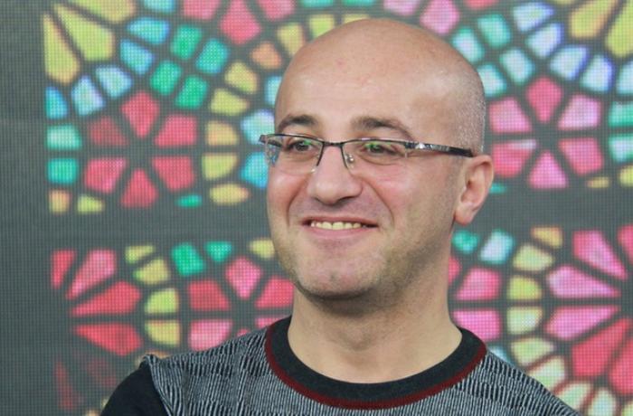Məşhur jurnalist istefa verdi