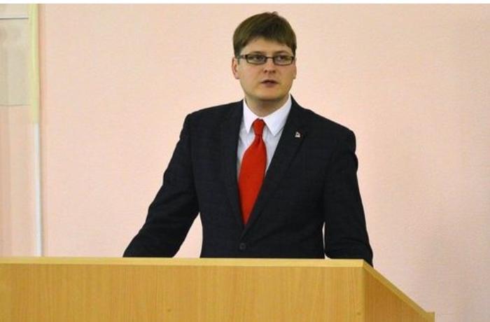"""Belaruslu politoloq: """"Ermənistanın sükanı arxasında oturanların adekvatlığı ilə bağlı sual yaranır"""""""