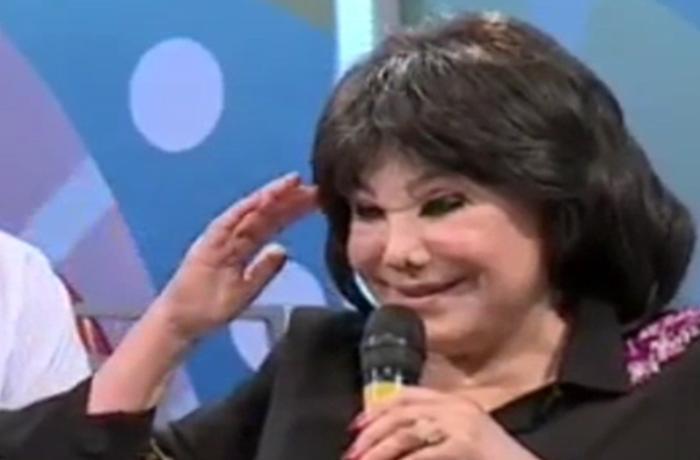 """Flora Kərimova Prezidentə hərbi salam verdi: """"Sizi sevirəm, oğul"""""""