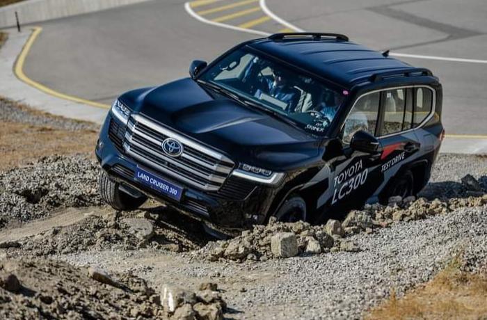 """Bakıda """"Toyota""""nın """"Land Cruiser 300"""" modelinin test-drayvı keçirilib — FOTOLAR"""