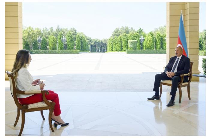 """İlham Əliyevin Rusiya və Ermənistana verdiyi mesajlar — Niyə məhz """"CNNTürk"""" vasitəsilə?"""