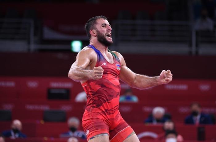 Tokio-2020: Güləşçimiz erməniyə qalib gəlib Olimpiya medalı qazandı