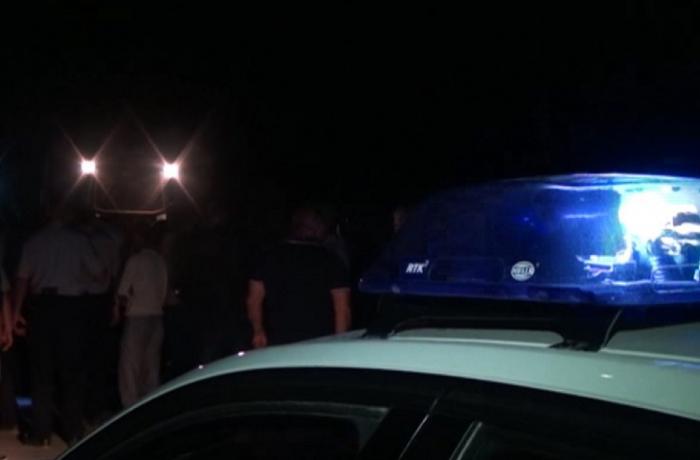Gəncədə avtomobil yolun kənarında dayanan piyadaları vurdu
