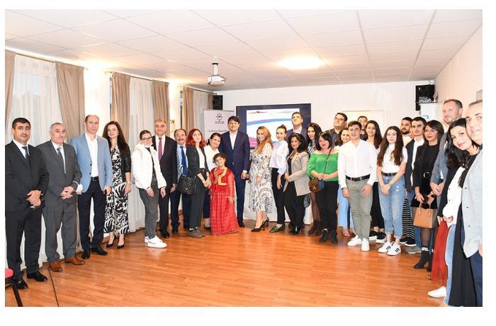 Diaspor Komitəsinin sədri Almaniyada yaşayan azərbaycanlılarla görüşdü — FOTOLAR