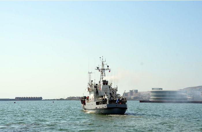 Rusiyanın hərbi gəmiləri Bakı limanını tərk etdi