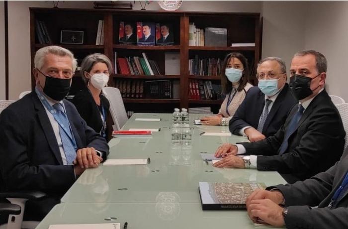 Ceyhun Bayramov BMT-nin Qaçqınlar üzrə Ali Komissarı ilə görüşdü