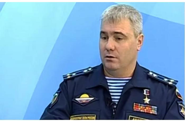 Putinin dəfələrlə təltif etdiyi yeni komandan... — Dosye