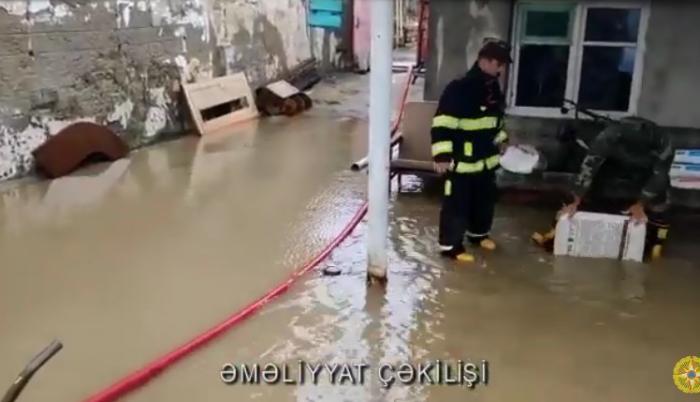 Binəqədi və Xəzər rayonları yağış sularından təmizləndi — VİDEO