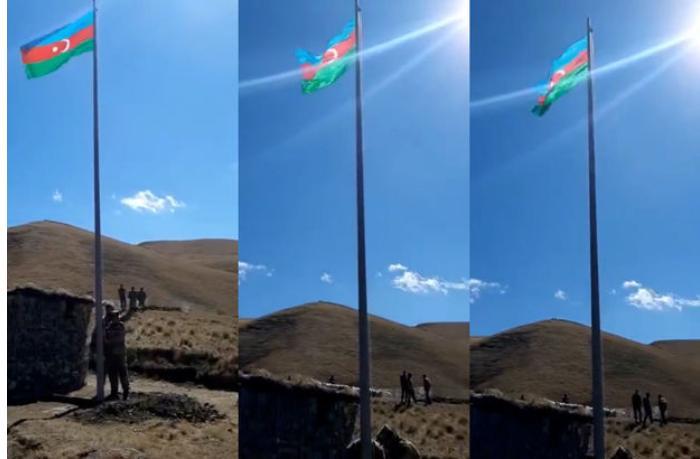 Göyçə mahalının Yuxarı Şorca kəndi istiqamətində bayrağımız yüksəldilib — VİDEO