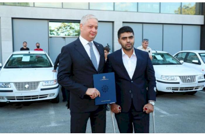Amin Musayevə avtomobil verildi