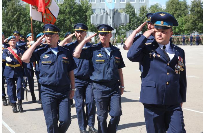 Qarabağ və Gümrüdəki rus qoşunlarının komandanlarını nə birləşdirir?