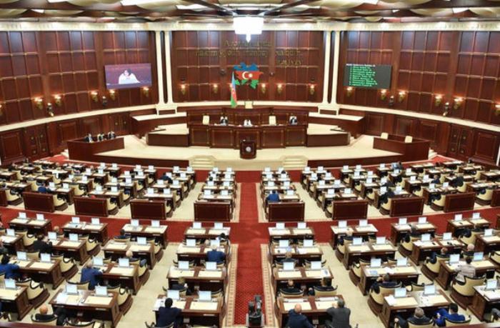 Parlamentdə icbari tibbi sığorta sahəsində olan problemlərlə bağlı dinləmə keçiriləcək